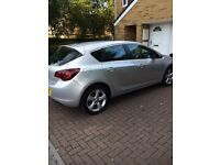 Vauxhall Astra 1.4 petrol 2011 silver excellent con