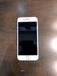 IPhone 7 32gb UNLOCKED SILVER- 3 months old