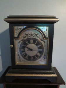 Horloge de table Bombay.
