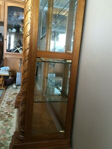 BEAUTIFUL OAK CHINA CABINET  PRICE NOW $600.00 Cambridge Kitchener Area image 3