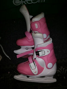 Girls Adjustable Size 6 J - 9 J  Figure Skating Skates Pink Snap