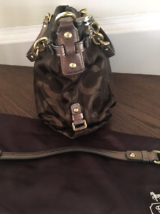 Brown COACH shoulder handbag $115