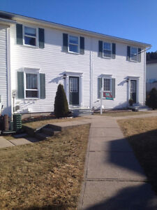 Very nice home with 3 Bedroom, 1.5 baths near Irving Nature Park