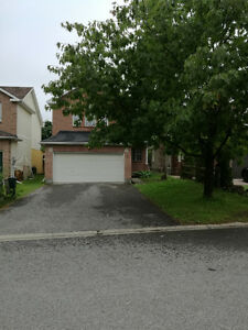 Furnished room of single house in Kanata for rent