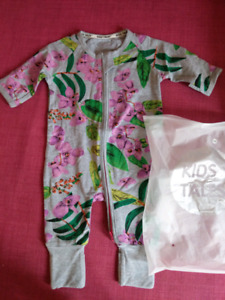 Baby outfit /new/ pijama/dress/robe/suit