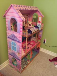 Maison de poupées (ou Barbies)