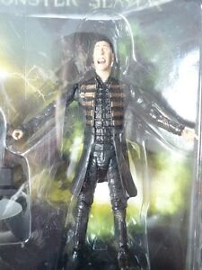 Van Helsing Univesal Studios Dracula Monster Slayer New in Box