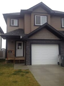 BEAUTIFUL UPGRADED 3 BEDROOM TOWNHOUSE IN BEAUMONT
