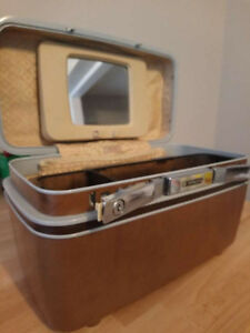 Samsonite Train Case Makeup Case 1970s Camel Vintage Like New