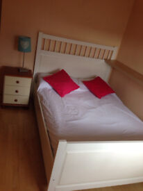 Clean Comfy Double bedroom is Spacious 3bed house-gosforth