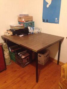 bureau/table de travail