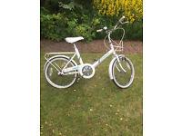 Girls White Raleigh Shopper Bike