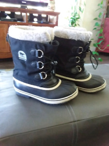 Sorel youth size 3 winter boots