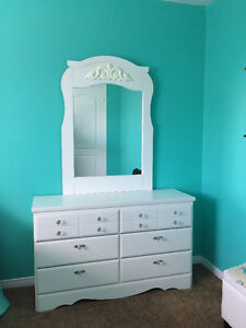 Beautiful Perfect White Dresser with Mirror