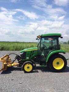Tracteur John Deere 3046R