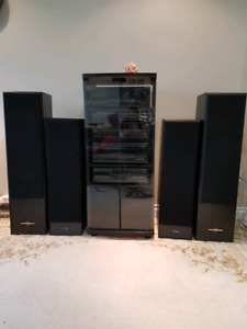 Technics complete stereo system in glass case