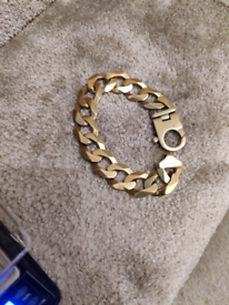 9ct gold heavy curb bracelet 113.5 grams very nice condition