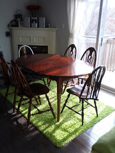 BEAUTIFUL SOLID  OAK ANTIQUE STYLE DINING TABLE SET