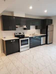 BEAUTIFUL 2 BEDROOM CONDO STYLE APARTMENT IN COTE-SAINT-LUC/NDG
