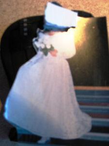 $$rebaissé $250 - Robe de MARIÉE + soulier + parure de tête  NÉG
