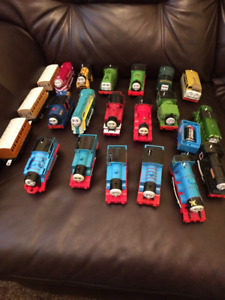 Thomas Trackmaster (20+trains&railcars) & Blue Mtn track