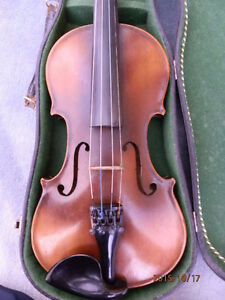 A vendre violon 4/4 ANTONIUS STRADIVARIUS.