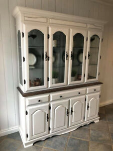 Ruttle Brothers Hutch
