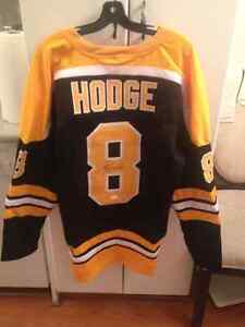 Brand New Awesome Signed Ken Hodge Boston Bruins Jersey, size XL