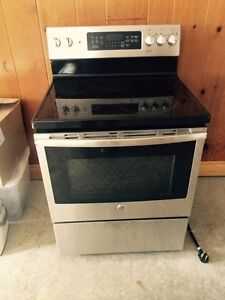 New stainless GE oven for sale with ceramic cook top