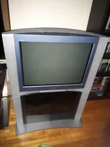 "SONY TRINITRON WEGA XBR GAMING CRT TV 28"" inches"