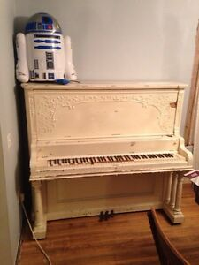 Upright piano. Cambridge Kitchener Area image 2