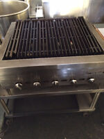 Charcoal and Natural Gas BBQ Grills for Preparing Burgers/Steaks
