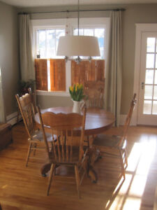 Antique Pedestal Dining Table & 6 Butterfly Pressed back Chairs