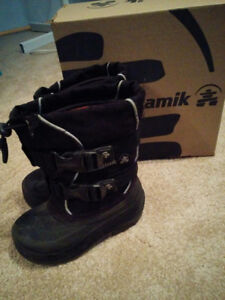 Kamik Winter Boots Size 8 toddler