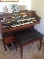 REDUCED AGAIN!!! Thomas Organ Californian Deluxe 294