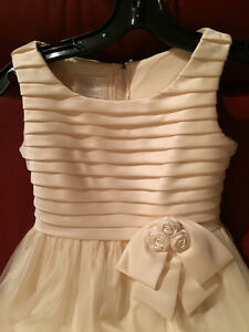 Flower girl / communion dress -- girls size 10 --worn only once Peterborough Peterborough Area image 3