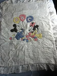 couvre-lit-couvertures-serviettes-taie oreiller
