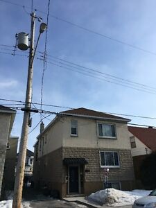 RENOVATED 2 BED APARTMENT IN BEECHWOOD/VANIER. MAY 1ST!