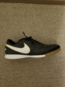 NIKE Tiempox Genio II Leather IC Mens Sneakers
