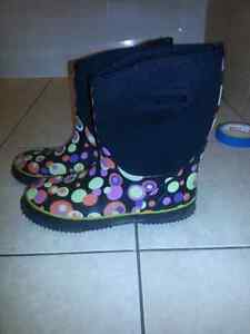 Size 6a ladies  rubber boots like new Cambridge Kitchener Area image 2