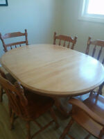 Maple Dining Table & Chairs