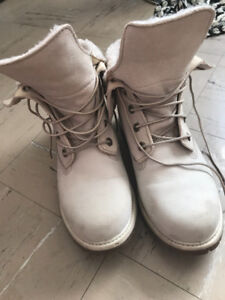Off White women's timberlands size 8!