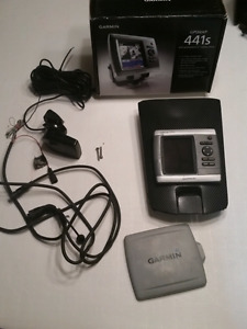 Garmin 441s Chartplotter fish finder with Sonar and maps