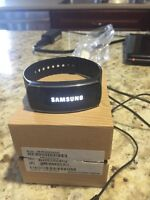 Samsung gear fit like new with screen protector