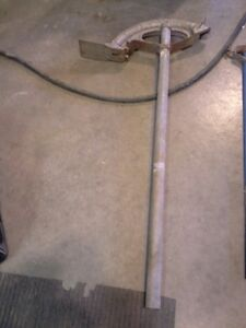 conduit bender for 1 1/4 emt and 1 inch ridgid. London Ontario image 1