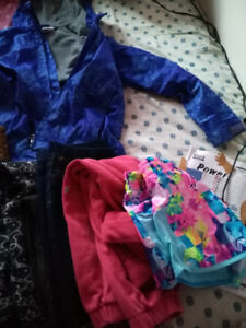 Girl's clothes for sale.7_10 years old