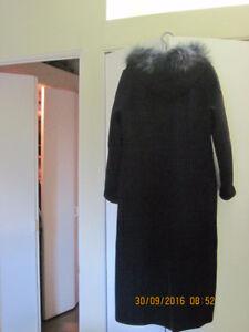 Manteau long en laine couleur marine PRIX REDUIT