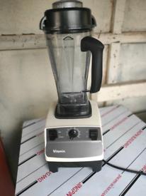 Commercial Heavy duty Vitamix Blender Milkshake maker Like Blendtec.