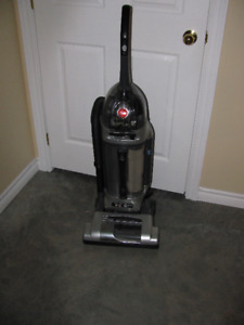 Large Hoover Vacuum cleaner with HEPA filter NO BAGS
