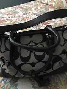 Coach Black and beige Leather/fabric Hand Bag